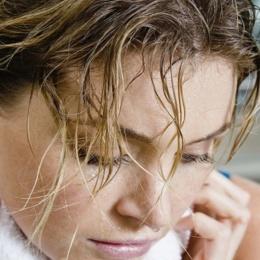 Лечение гипергидроза головы простыми, но эффективными способами