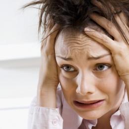 Потливость при неврозе: признаки, причины, лечение