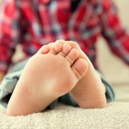 Сильная потливость ног у детей: причины и лечение