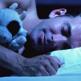 Причины ночной потливости у мужчин: главные факторы, о которых нужно знать