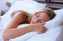 Причины ночной потливости у женщин: разбираемся в сути проблемы