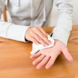 Причины повышенной потливости рук: выделяем главные разновидности патологии