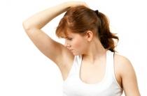 Основные причины повышенной потливости подмышек у женщин