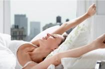 Потливость у женщин по утрам: причины патологии, советы и рекомендации