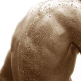 Называем основные причины холодного пота у мужчин